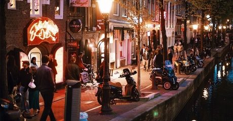 Red Light District Guided Walking Tour – Private Tour in Italian