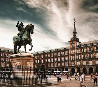 Madrid The Old City Guided Walking Tour – Private Tour in Italian