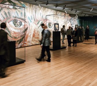 Van Gogh Museum + Red Light District Skip-the-Line Guided Combo Tour – Private Tour in Italian